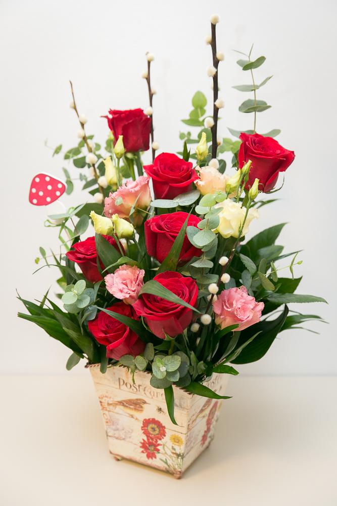 aranjament-floral-trandafiri-lisianthus-eucalipt-2.jpg