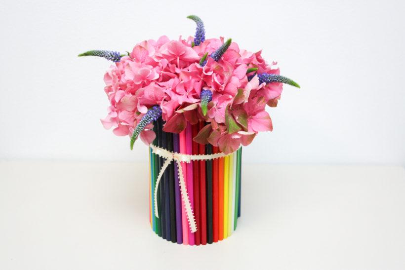 cadouri-florale-creioane-colorate-scoala-gradinita-botez-8-820x547.jpg