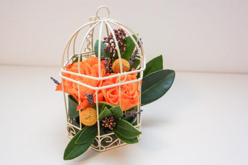 colivie-florala-trandafiri-craspedia-skimmia-1-820x547.jpg
