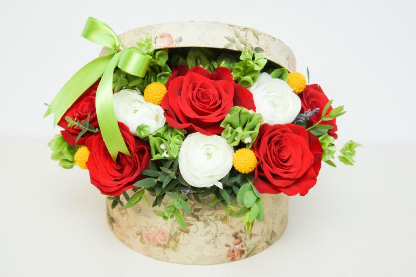 cutie-florala-pentru-ocazii-3-820x547.jpg