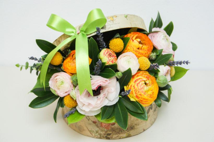 cutie-florala-pentru-ocazii-ranunculus-2-820x547.jpg