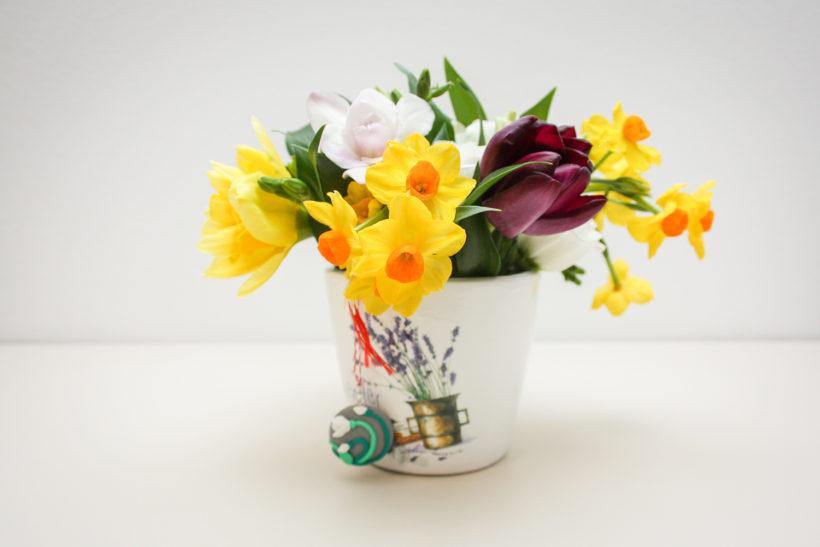 martisor-floral-narcise-lalele-frezii-820x547.jpg