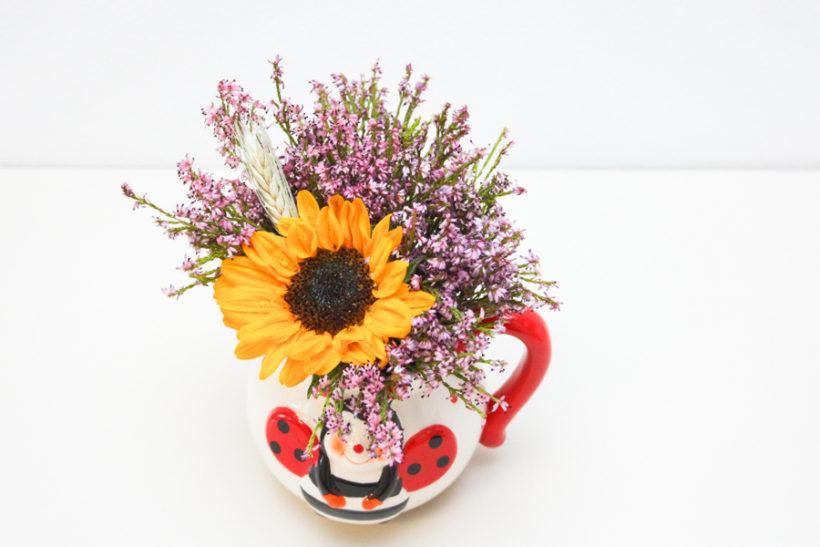 mini-aranjament-floral-cadou-de-vara-2-820x547.jpg