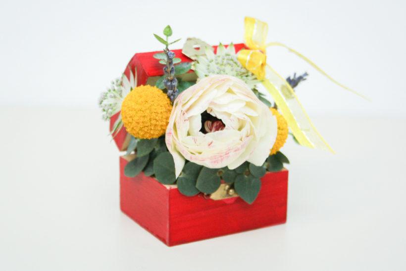 mini-cufar-floral-ranunculus-craspedia-2-820x547.jpg
